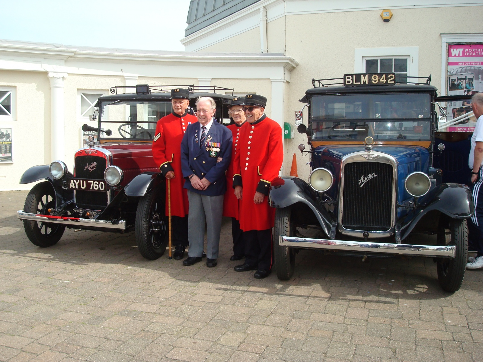 Military Veterans' Trip to Worthing - Chelsea Pensioners. Women were accepted at the Royal Hospital from 2009