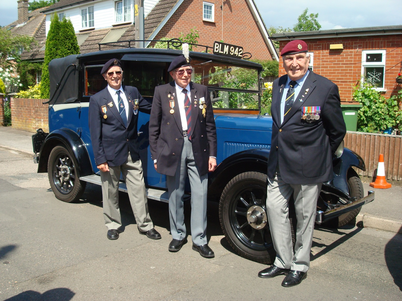 Military Veterans' Trip to Worthing - Old comrades stretch their legs